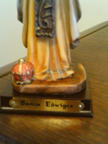 b. passado - imagem sacra de santa edwiges-resina espanhola