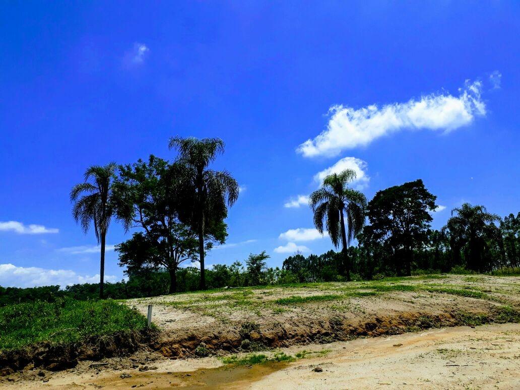 b01 condominio de chacaras em guararema, prox a comercios