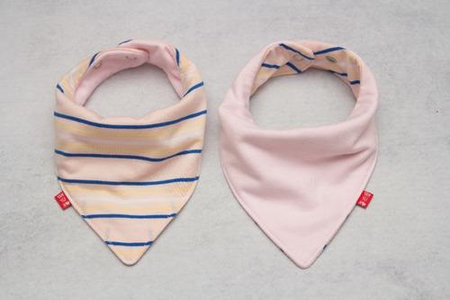 baberos bandana reversibles de 0 a 3 años.