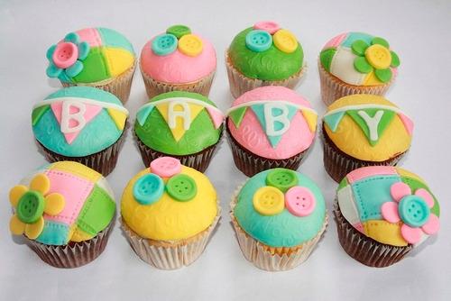 baby shower cupcakes, mesa de dulces