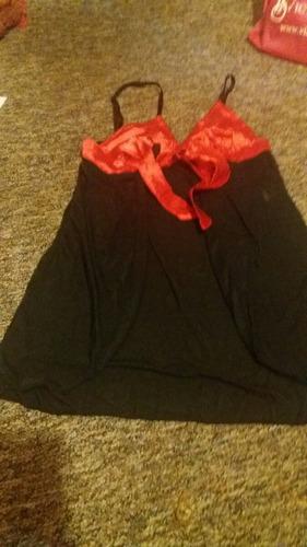 babydoll con cinta roja y tanga
