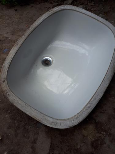 bacha de lavatorio en excelente estado
