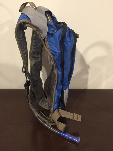 back pack  -  2l hydration pack