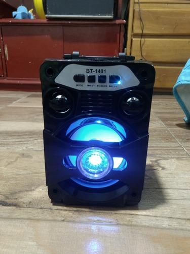 bafle con luces usb auxiliar micro cd