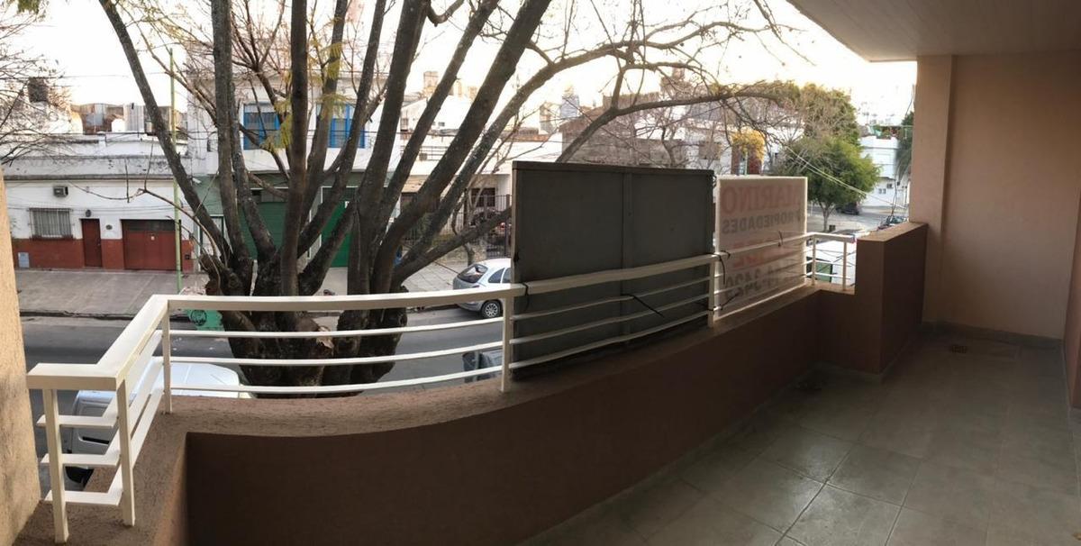 bahia blanca 1800. ph 3 amb balcon y terraza v. del parque