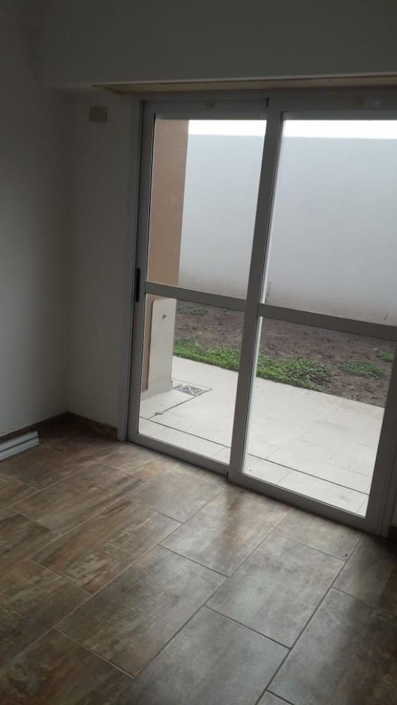 bahia blanca 1800. ph 4 amb c/patio. toma menor valor. finan