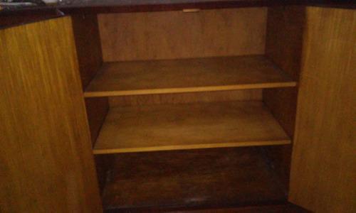 baiu de madera 4 puertas con vajillero, cubiertero y bar