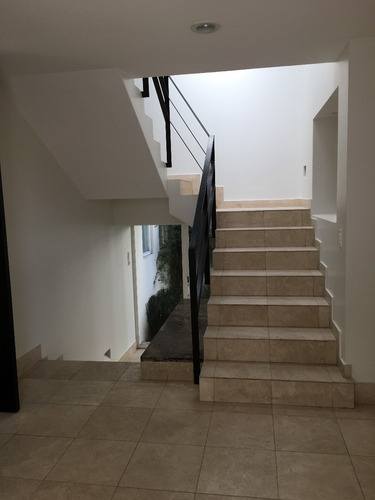 baja de precio!!!  excelente casa en condominio, interlomas con doble vigilancia