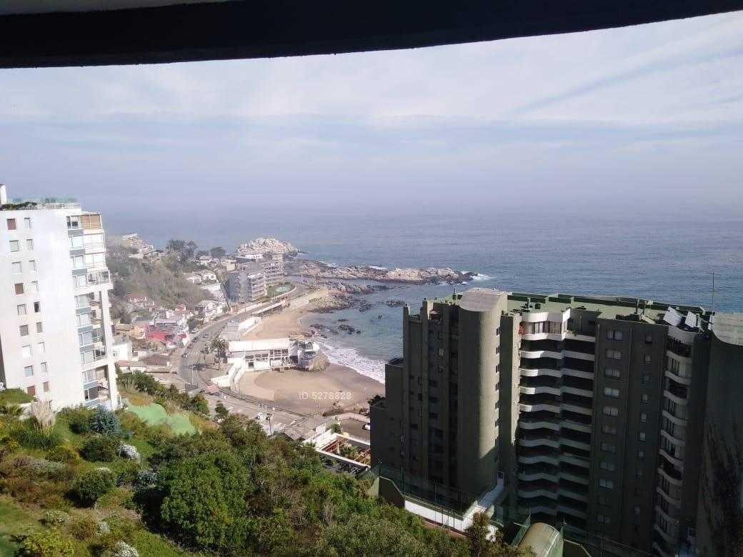 bajada directa en funicular a la playa, hermosa vista al mar.