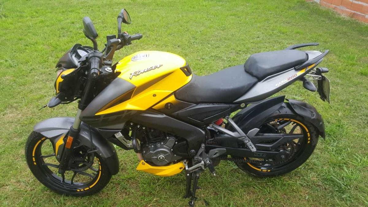 Rouser NS 200 FI   Don Bosco Motors