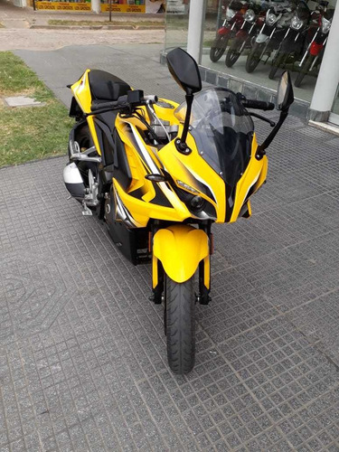 bajaj rs 200 impecable 2016 - spagna