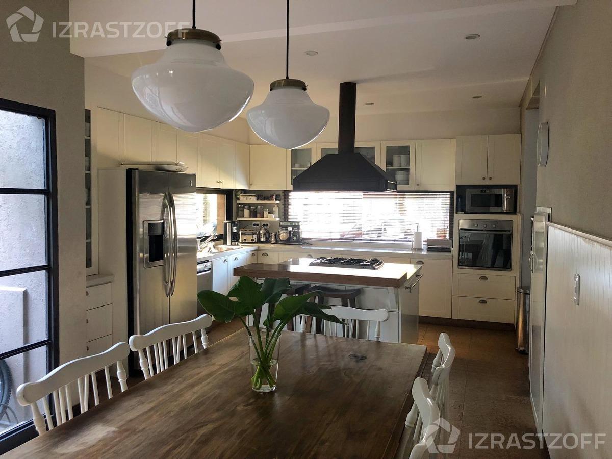 bajó de precio, casa excelente diseño y calidad
