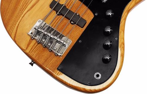 bajo electrico de 5 cuerdas en madera estilo retro y moderno