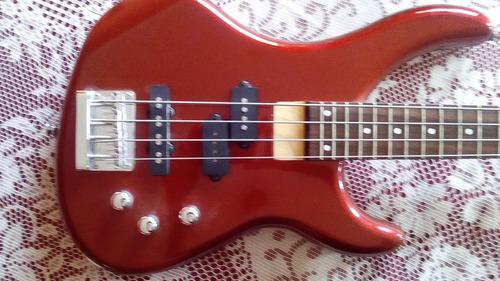 bajo electrico jackson con forro original y cable guitarras