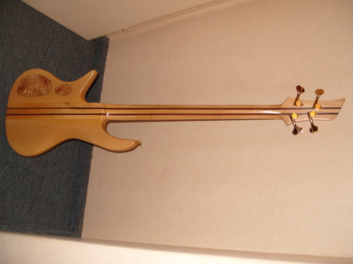 bajo luthier