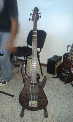 bajo peavey international series 5c con emg act. remate