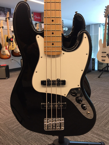 bajo standard jazz bass® mn negro fender