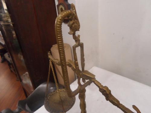 balança de mesa em bronze