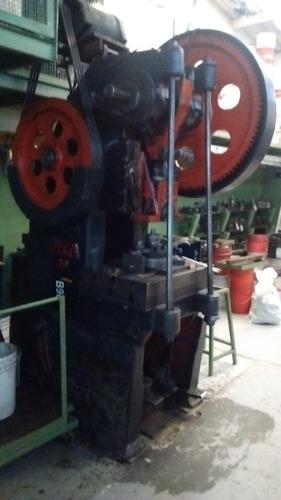 balancinado estampado  metalurgica corte de chapa plegado