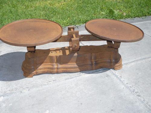 balanza de 2 platos antigua hierro de 5 kilos exelente pieza