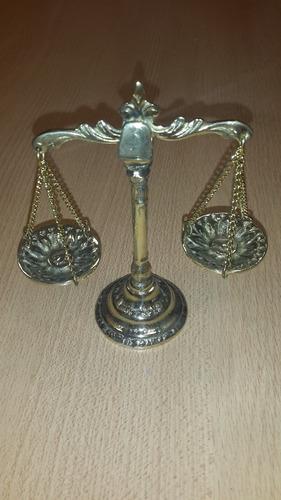 balanza de la justicia de bronce pulida !!!!!!