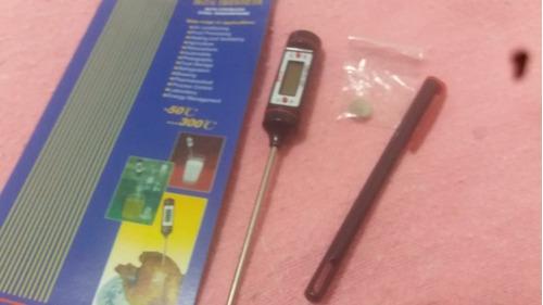 balanza digital, thermometer digital