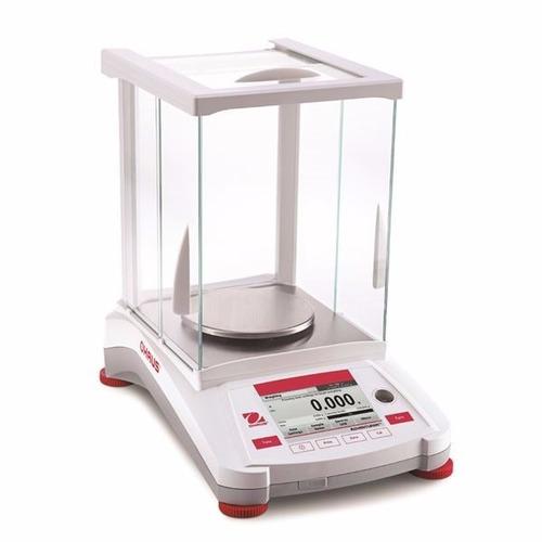 balanza electrónica portátil  ohaus adventurer de 220g