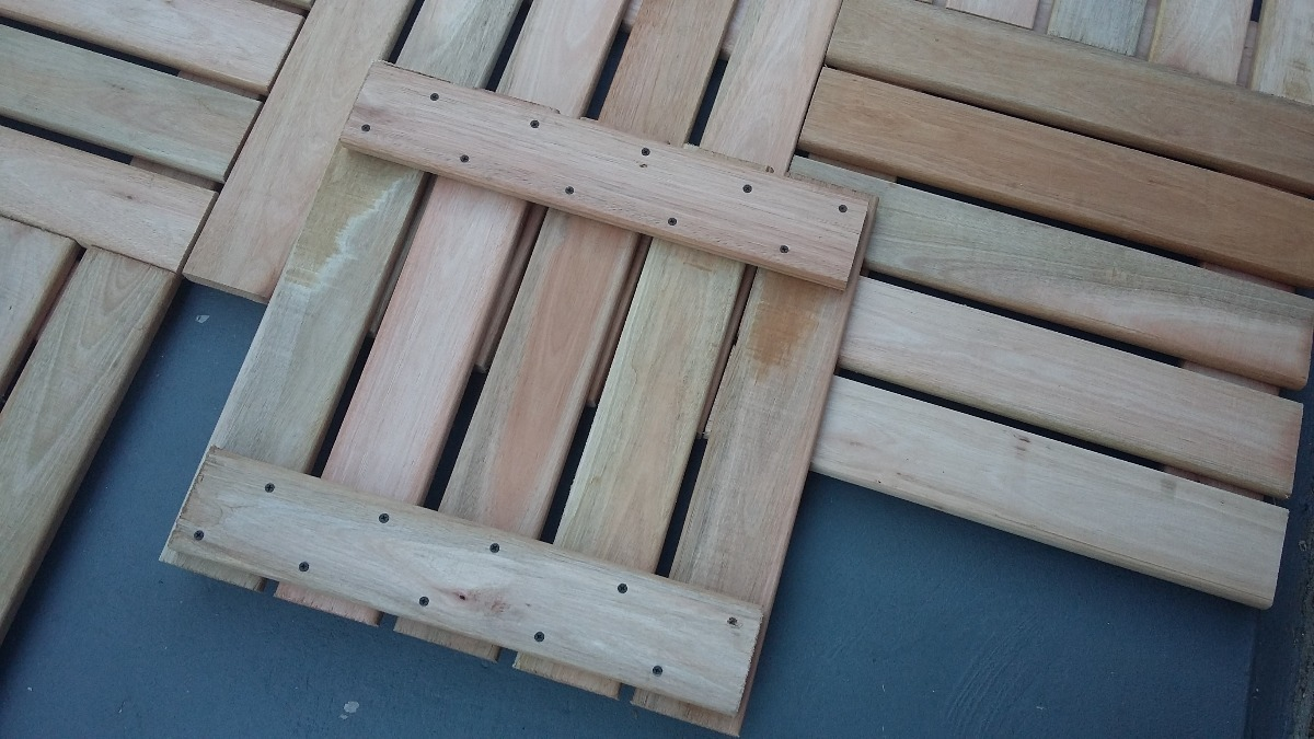 Losetas de madera para exterior great piso residencial para corredores jardn excelente color - Baldosas de madera para exterior ...