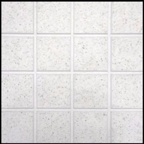 baldosas baldosones prensadas de granito pulido fondo blanco
