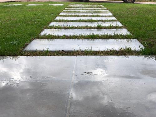 baldosas losetas de hormigon exterior patio entrada; hopresa