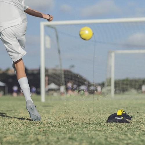 balón de entrenamiento soccer sklz kick back