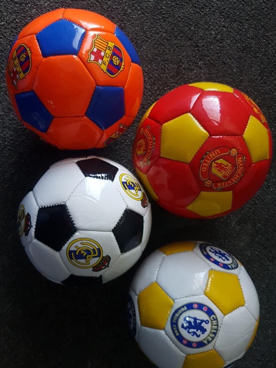 Balón De Fútbol Fc Barcelona Número 2 Real Madrid Pequeño - Bs ... 3f2a9b55ee4