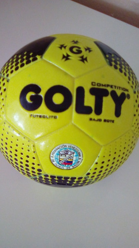balon de futbolito bajo bote marca golty