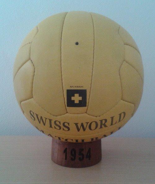 Balón Mundial Suiza 1954. Swiss (pre adidas) - U S 179.00 en Mercado ... 255a601b0fcf9