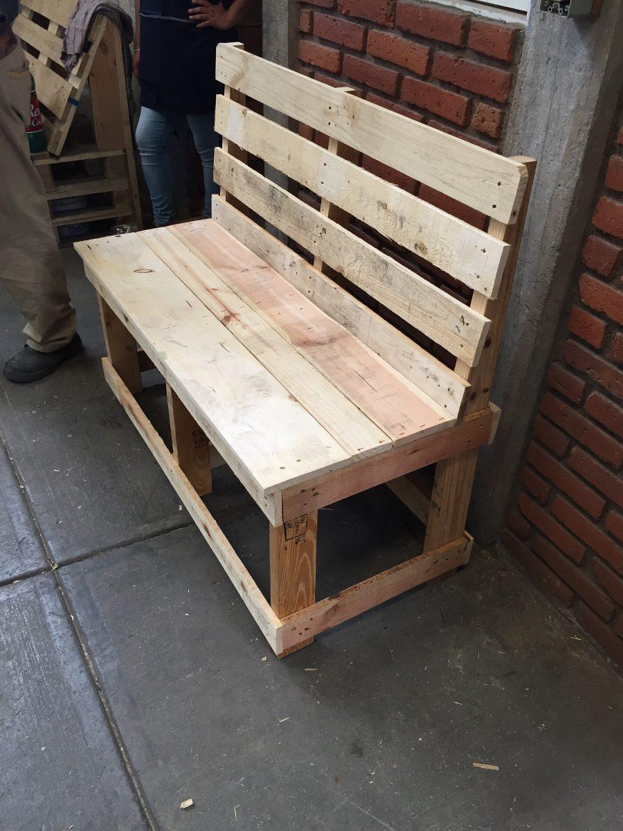 Banca de madera reciclada en mercado libre for Como hacer una terraza rustica