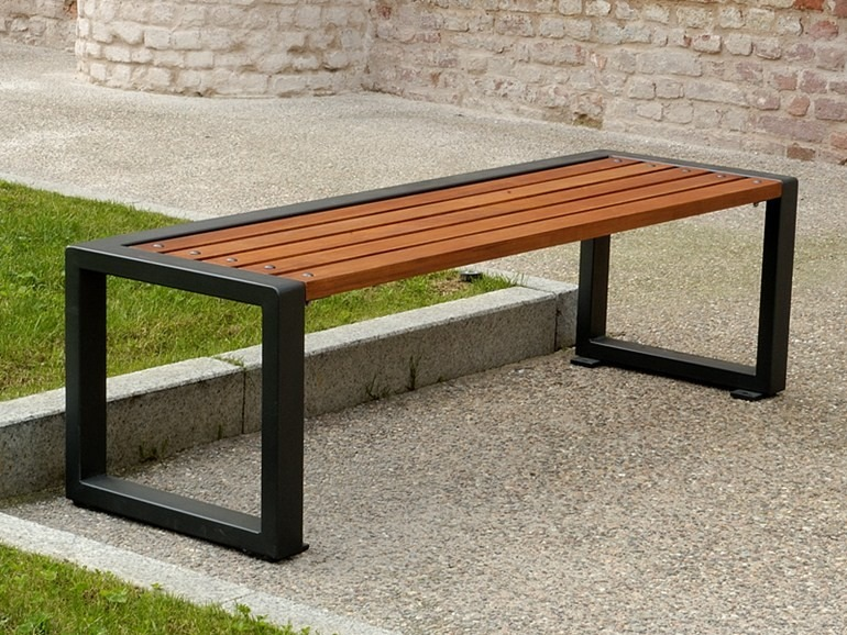 Banca madera metal jardin parque decoracion mesa comoda - Mesas de madera para jardin ...