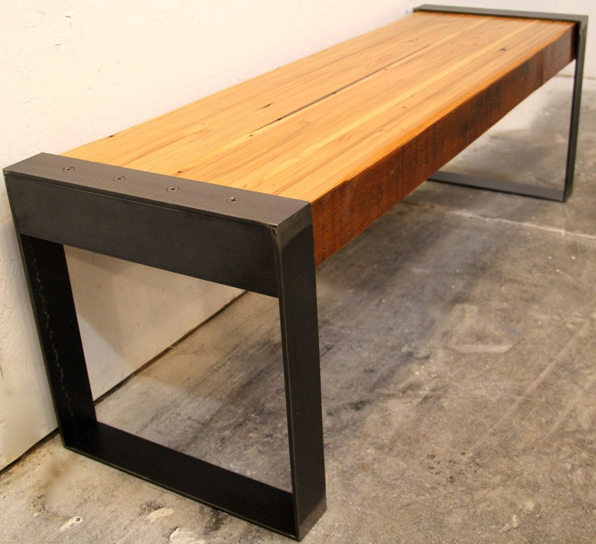 Banca madera metal jardin parque decoracion mesa comoda for Mesa banco madera jardin