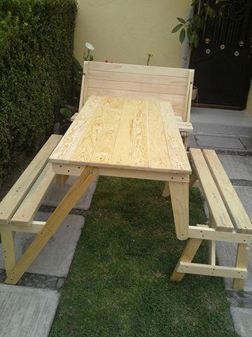 Banca que se transforma en una mesa picnic con asientos for Mesa plegable con asientos