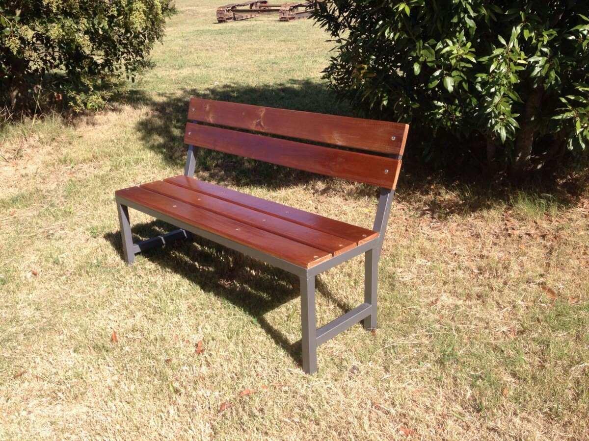 Banco de jardin bancos de hierro y madera for Bancos de jardin precios