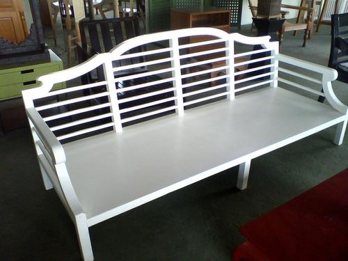 banco em madeira peroba  cor branca