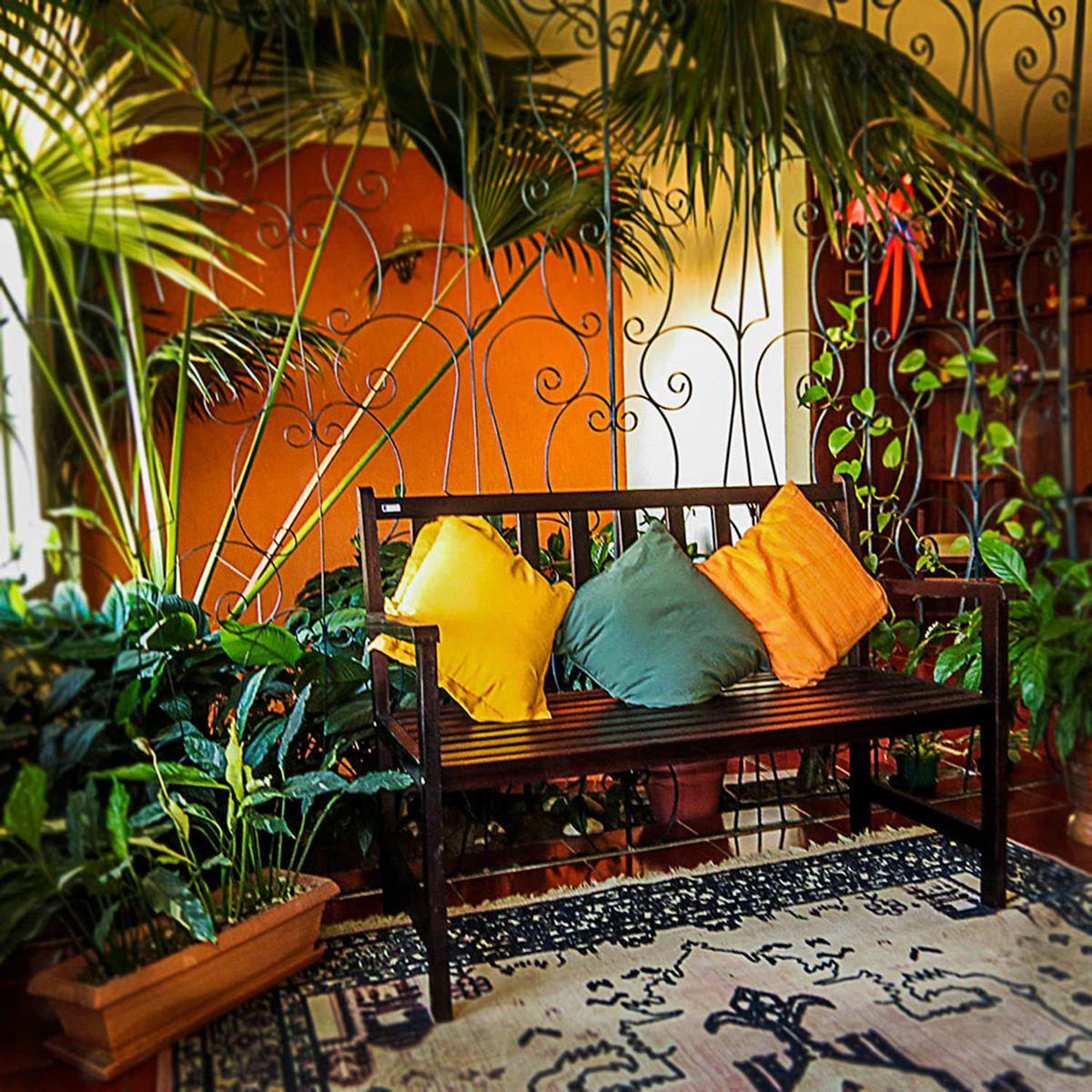Banco Jardim Colorido Suze Imbuia Gb - R$ 539,90 em Mercado Livre