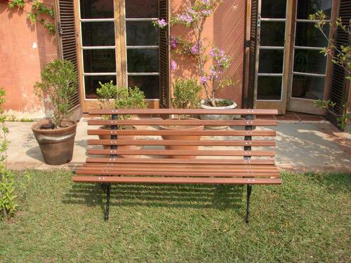 banco jardim praça madeira  pé de ferro - tamandua