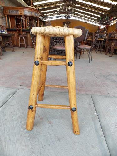 Banco para bar artesanal de madera y tule estilo antiguo for Bar de madera mercadolibre