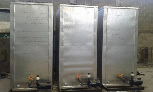 bancos de hielos cubas de agua heladas