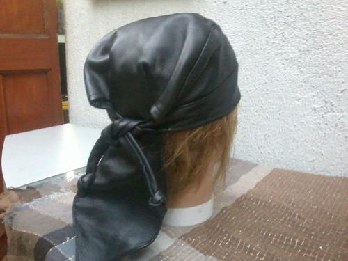 bandana , de cuero para motoqueros