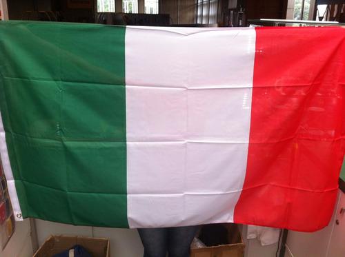 bandeira da itália 1,5 metros x 90 cm