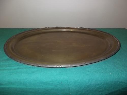 bandeja de bronce antigua.