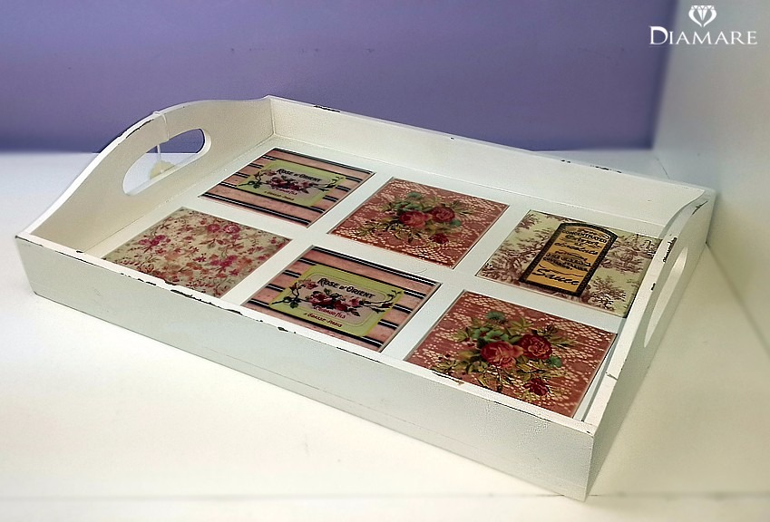 Bandeja de madera pintada, piso de azulejos de cerámica    322,50 ...