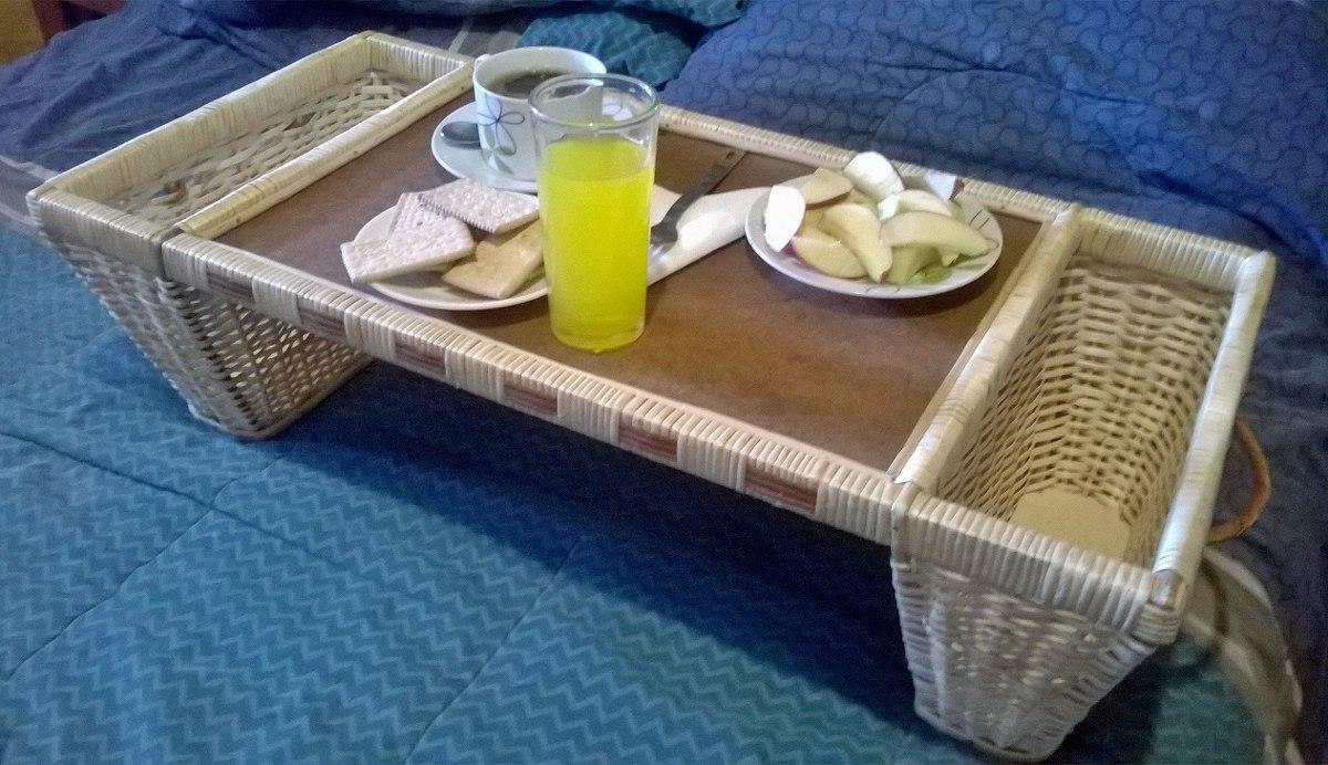 Bandeja de mimbre para desayunos u otros desayunos en cama - Bandeja desayuno cama ...
