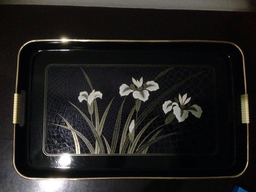 bandeja de servir negra de flores